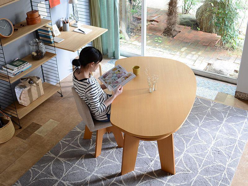 ダイニングでお勉強するお子さんにもぴったり やさしい暮らし Shuno シュノ 収納付き 変形ダイニングテーブル150 北欧スタイルのインテリアにも インテリア ダイニングテーブル ダイニングテーブル ダイニング