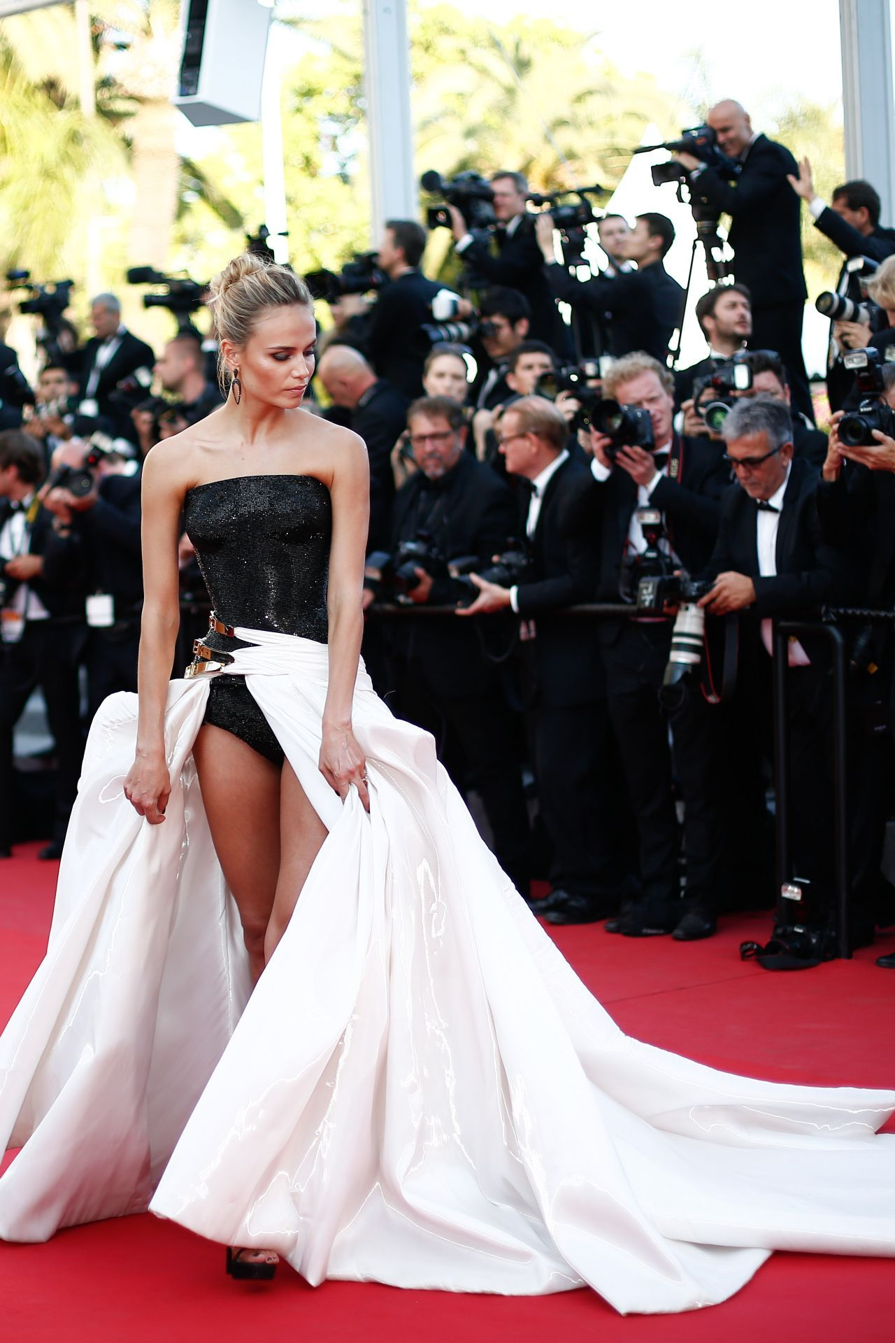 Natasha Poly in Atelier Versace Gown at Carol Premiere at 2015 ...
