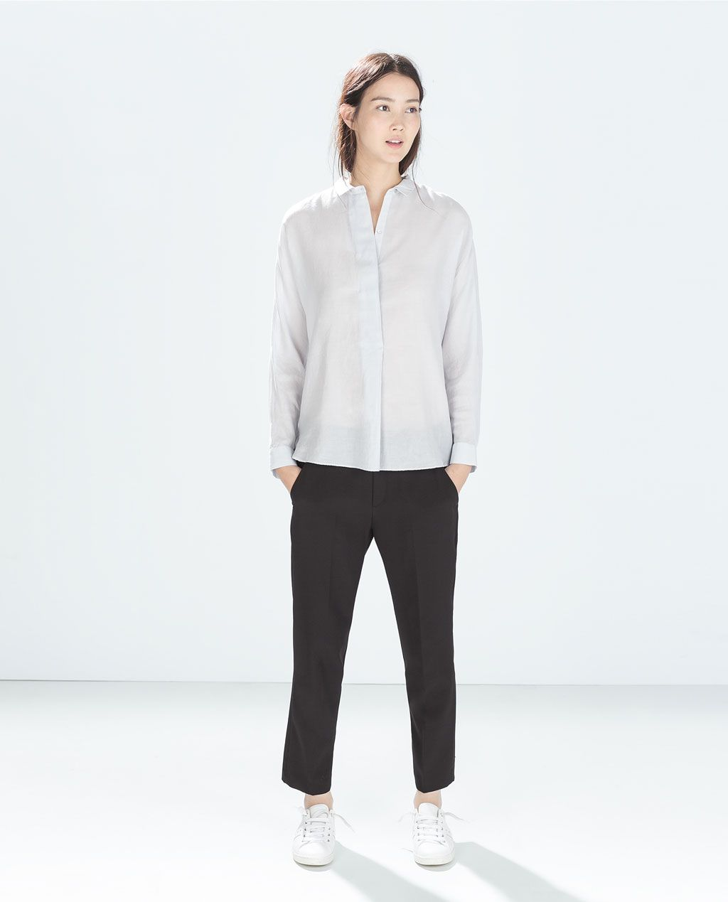 Image 1 of COTTON SHIRT WITH HIDDEN FLAP from Zara
