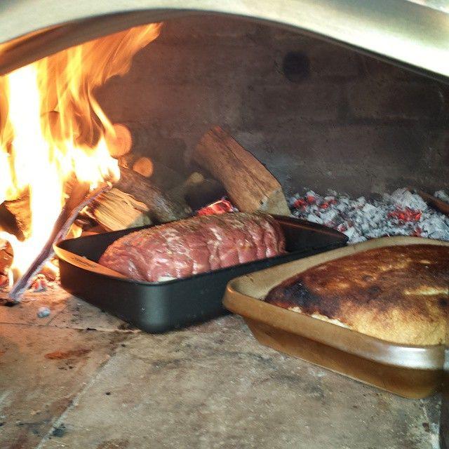 Først pizza til hele banden, Dernæst brød og kalvesteg på eftervarmen! :-) #artiforno