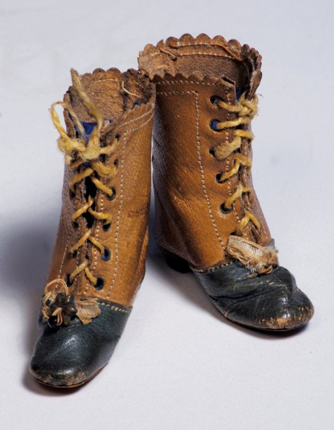 """PAIR OF ANTIQUE FASHION DOLL BOOTS. 2"""" L."""