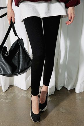 Stylenanda Fleece Lined Thick Chunky LeggingsRock these cool leggings for a sleek edgy look. These bottoms with cropped hems make them perfect to team with more textured casual tops and studded boots. With their fleece-lining, these leggings are perfect for the season.