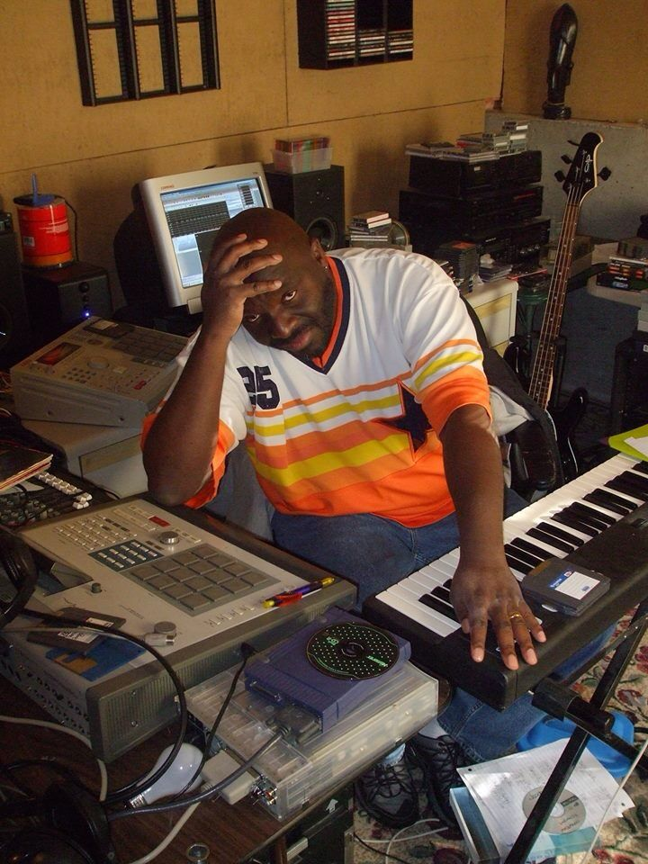Akai Mpc 2000 3000 Music Studio Room Home Studio Setup Hip Hop Instrumental