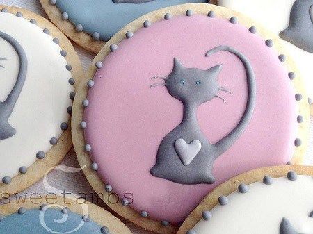 12 CatShaped Treats You Wont Have The Courage To Eat Shaped