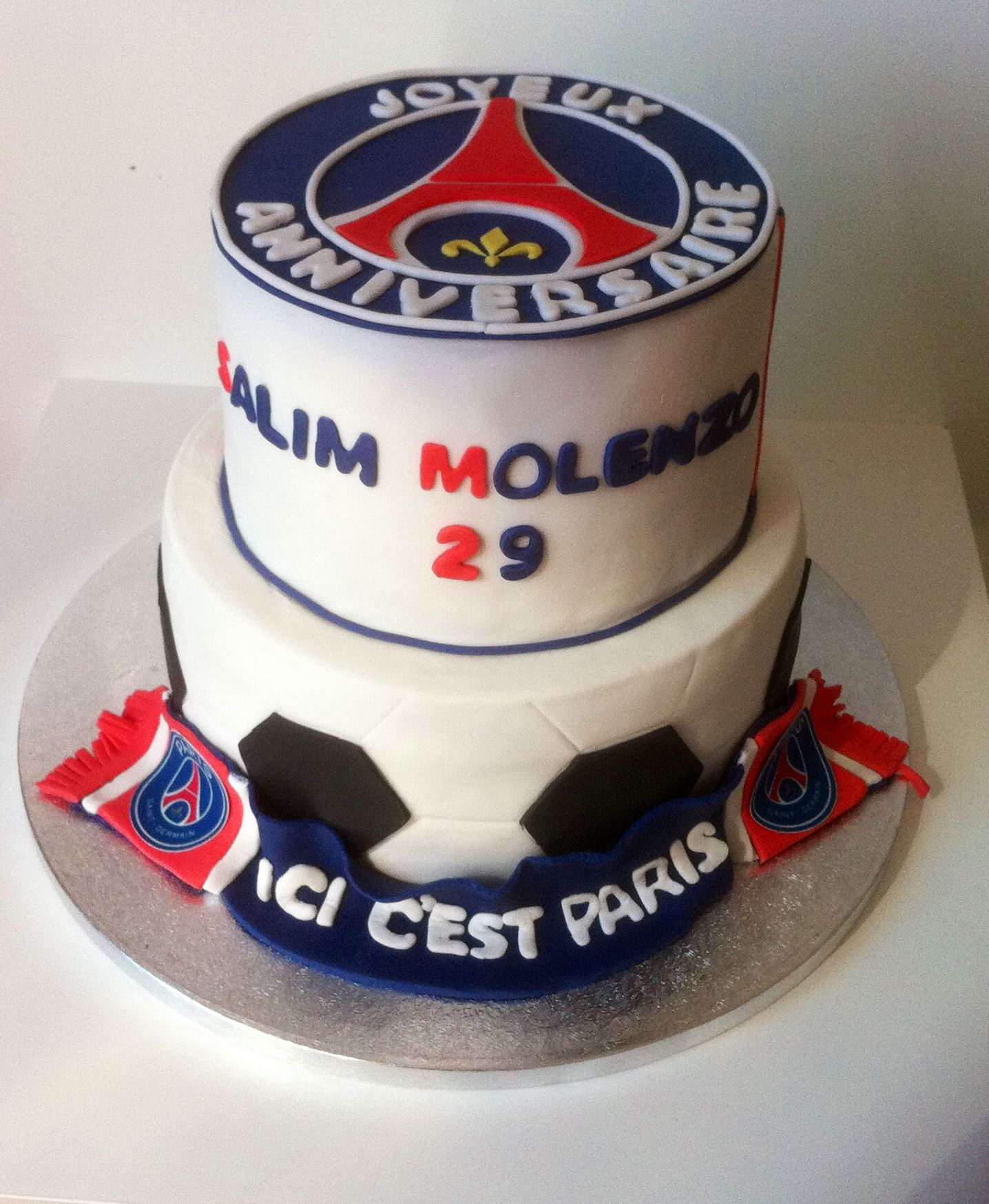g teau anniversaire psg foot pinterest gateau anniversaire psg et anniversaires. Black Bedroom Furniture Sets. Home Design Ideas