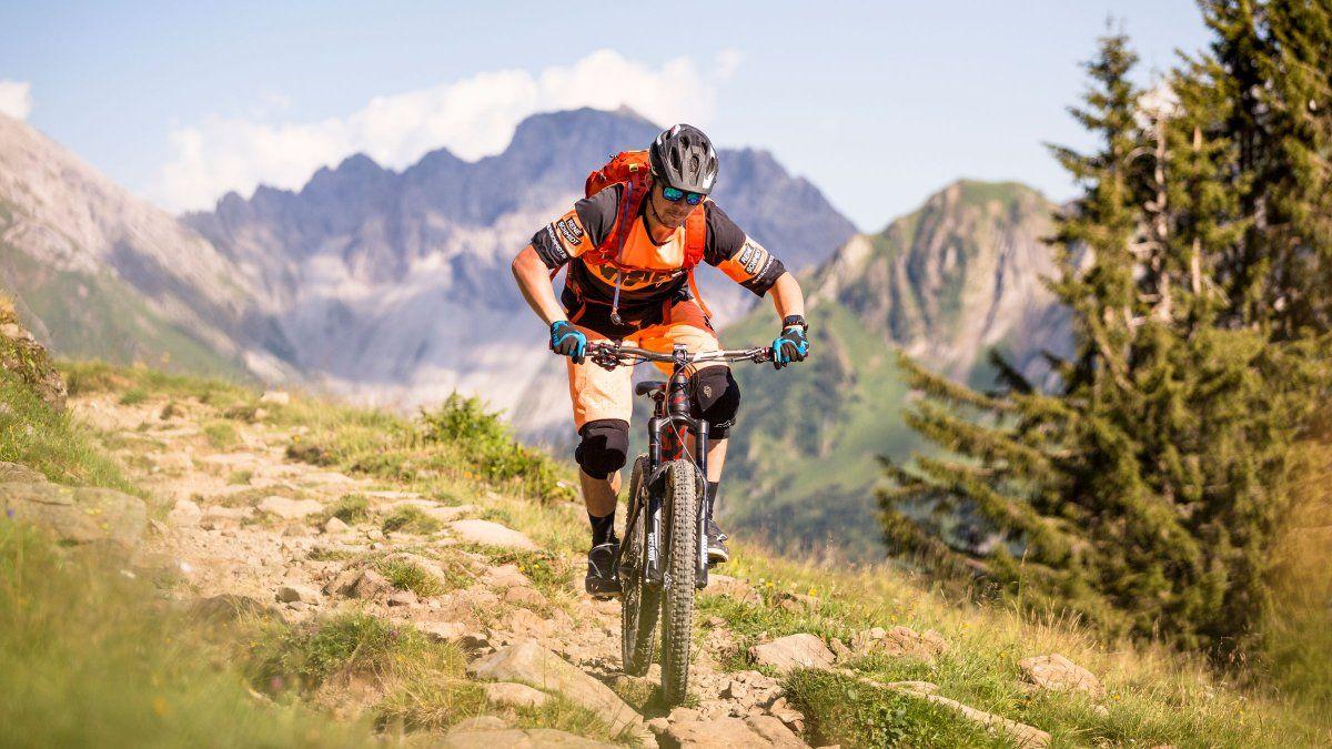 This Lab Ranked the Safest Bike Helmets Bike helmet