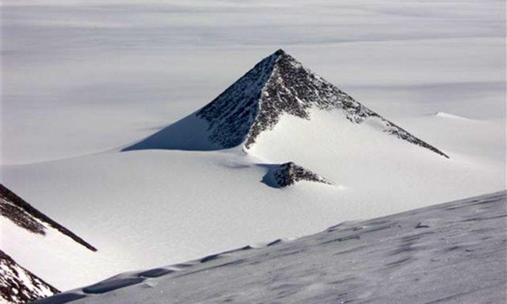 Pyramide In Der Antarktis