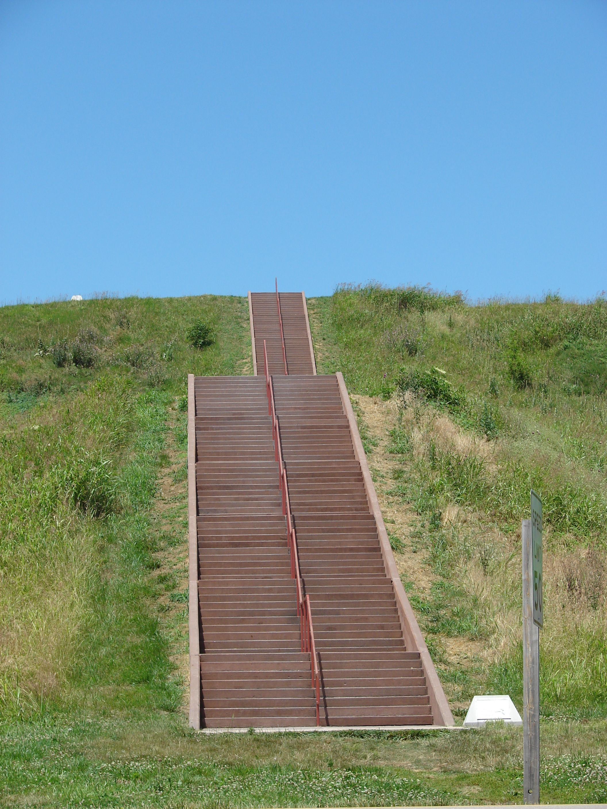 Cahokia mounds 158 steps up places to see indigenous
