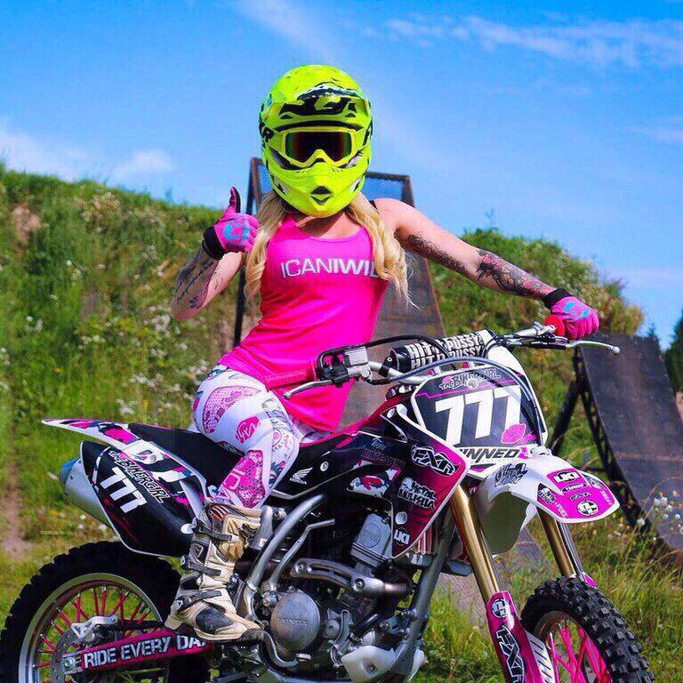 Pin de Ярослава Тян em Фото   Motocross, Mulher de moto ...