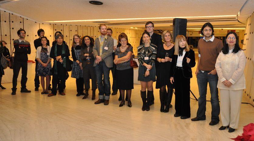 Artistas que participaron en la exposición en homenaje al pintor catalán José María Sert 2009 en Naciones Unidas en Ginebra. Sophia Keller y Manuel Giron entre los presentes.