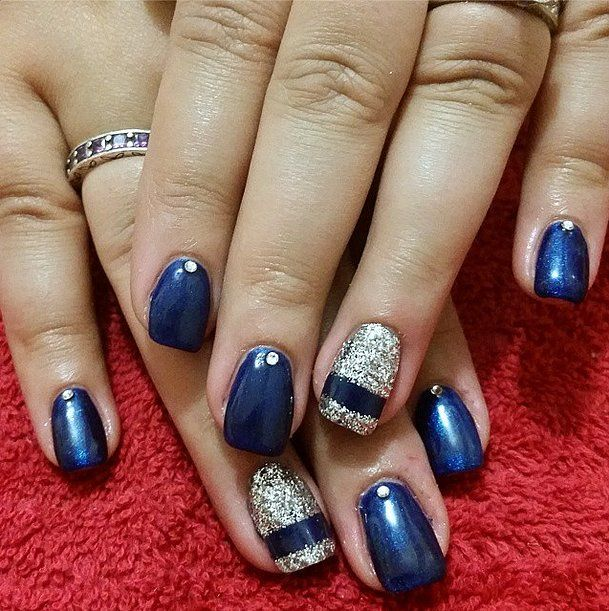 50 Holiday Nail Art Ideas For Festive Fingertips   Holiday nail art ...