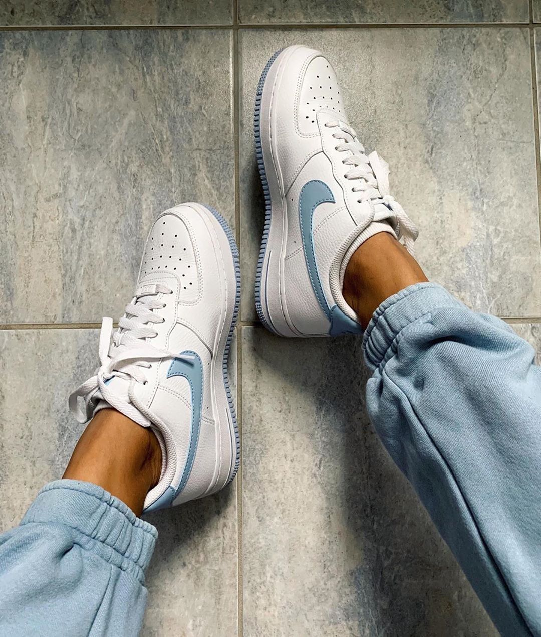 "Photo of Sneakers & Streetwear Femme on Instagram: ""Nike Air Force 1 by @ciaracherise …"
