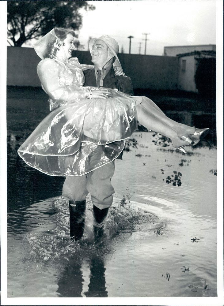 Jim Davis Actor | 1941 Hollywood Legends Actors James Cagney Carrying Bette Davis Wire ...