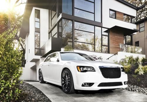 2013 Chrysler 300 Glacier Shows Luxury All Season Muscle Cars