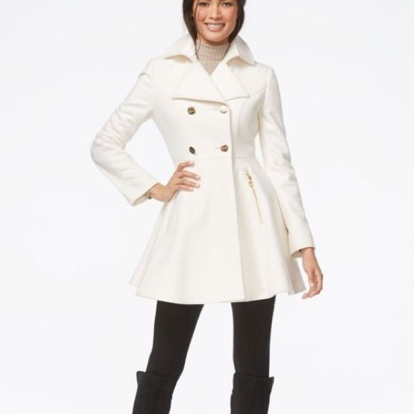 Laundry Ivory wool trench coat Beautiful ivory wool trench coat with gold buttons and gold zippers. Looks gorgeous with pants or dresses!! Absolutely stunning! Laundry by Shelli Segal Jackets & Coats Trench Coats