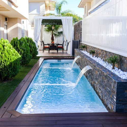 Pool design ideas remodels photos small swimming for Pool exterior design