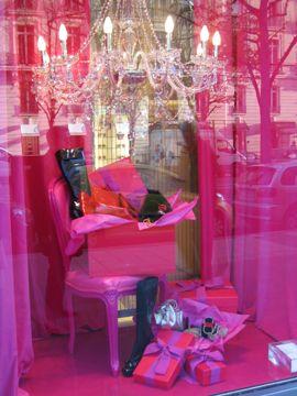 hot pink window display - paris @ christmas