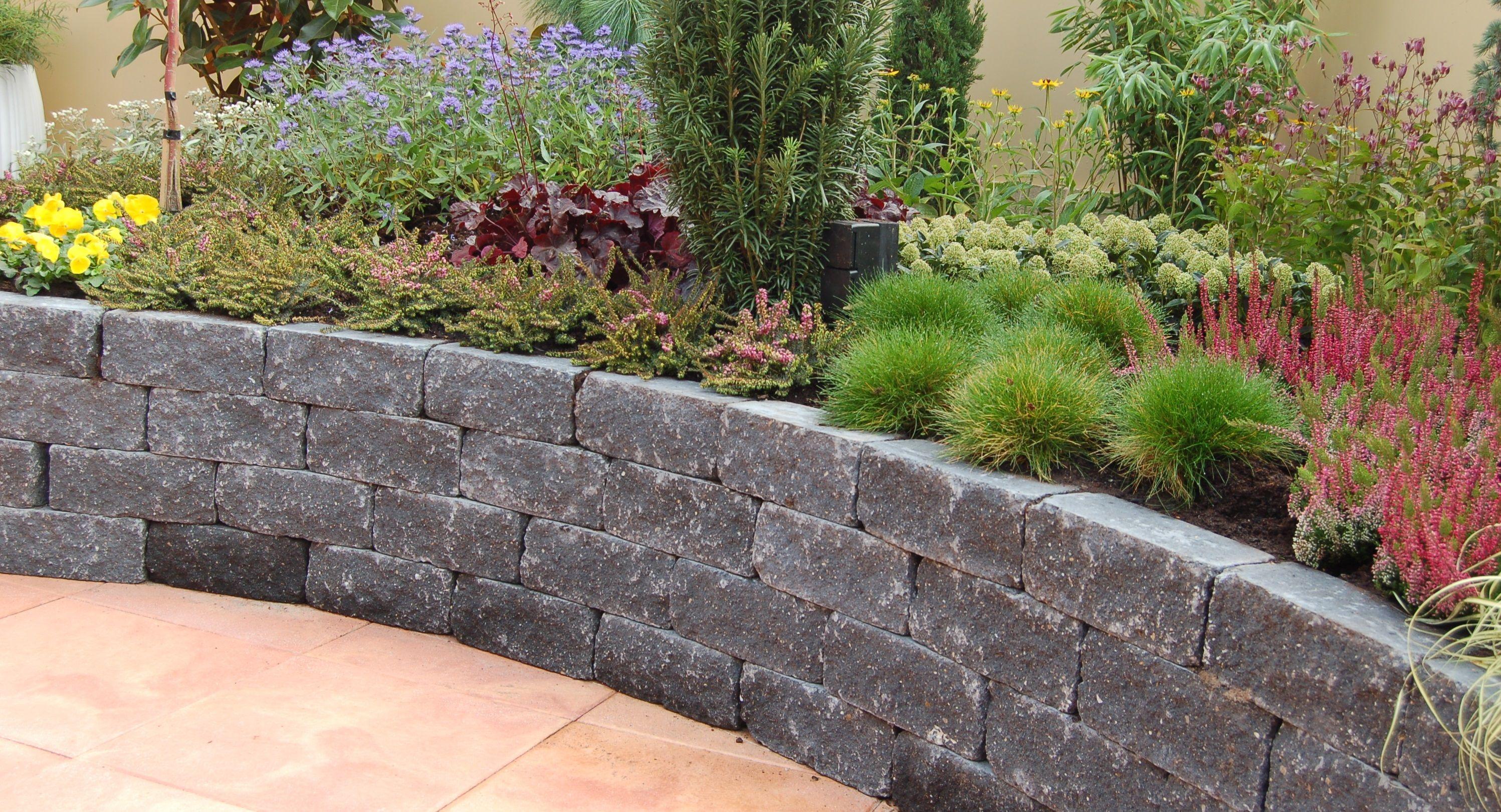 Mooie stenen voor verhoogde borders tuin pinterest for Tuin beplanten
