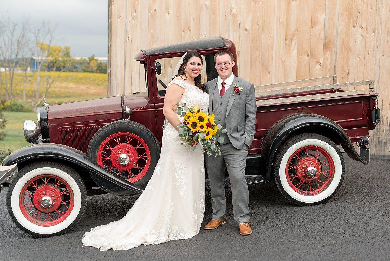 Kayla Derrick Spring Valley Farms Wedding Lancaster Wedding And Engagement Photographer Annie Sharp Photography In 2020 Outdoor Fall Wedding Lancaster Pa Wedding Farm Wedding