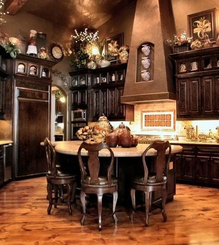 Charming Tuscan inspired kitchen with dining area in lieu of an island.... ᘡղbᘠ