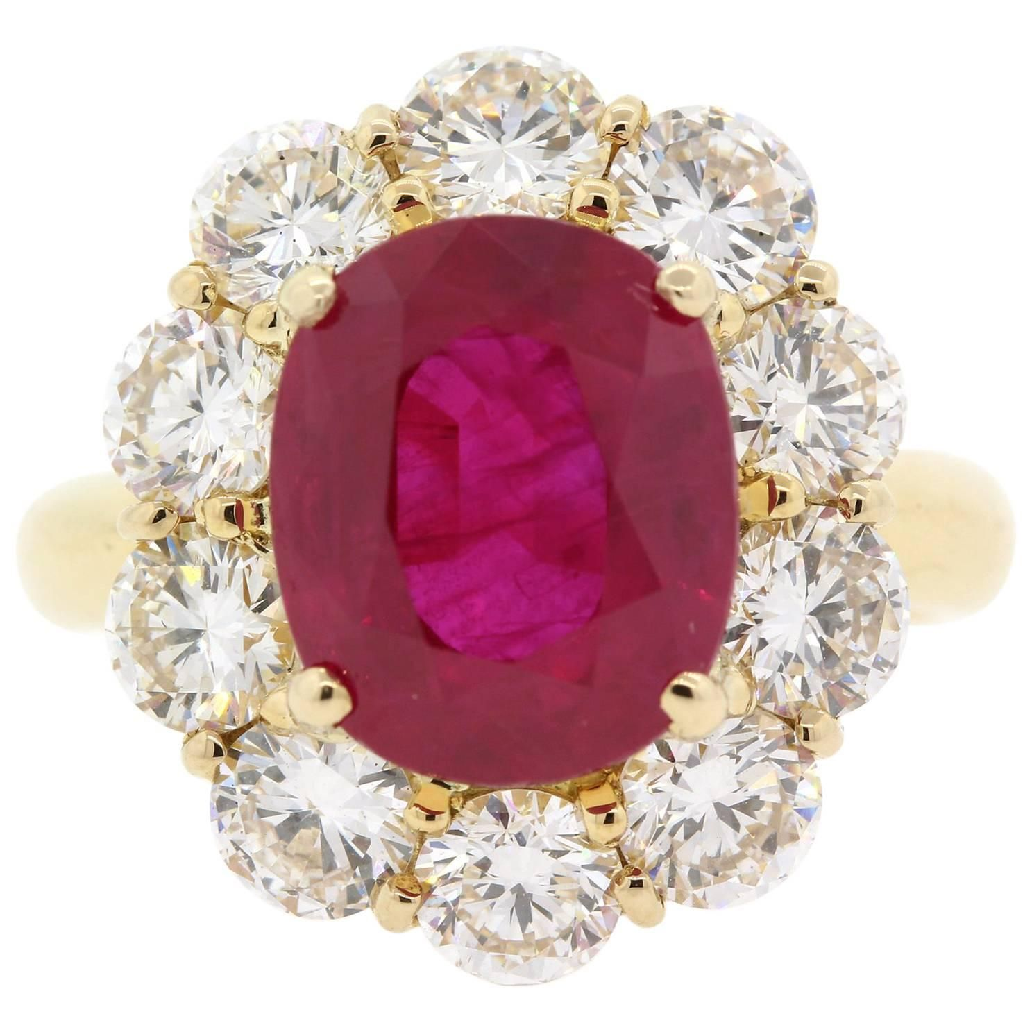dotted with stone rings corundum square en chevalier