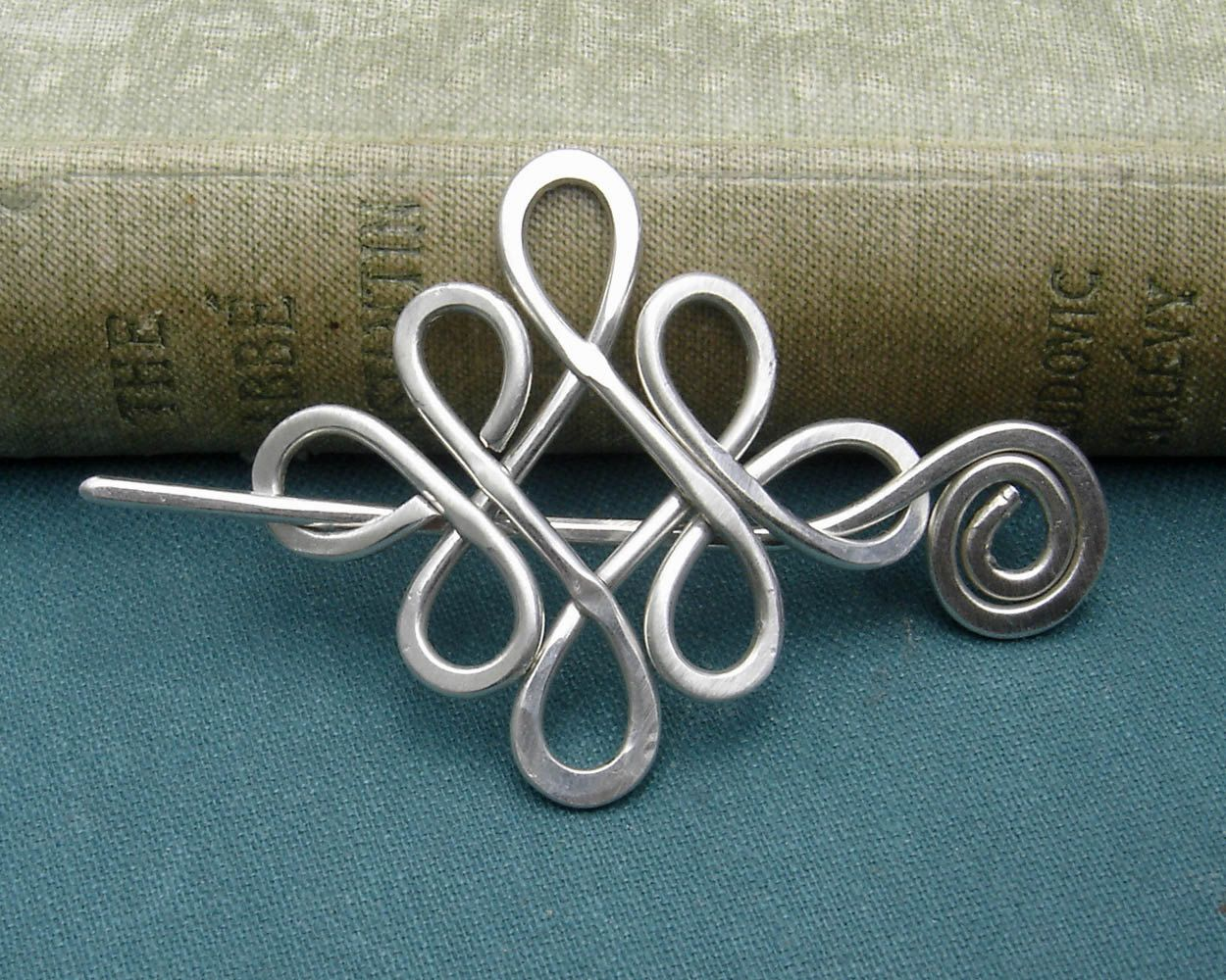 Looping crossed knots celtic sterling silver shawl pin scarf pin