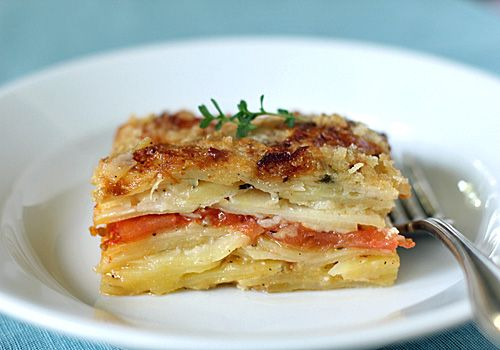 Potato Gratin with Gruyere, Tomatoes and Thyme (looks impressive but easy!)