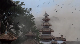 Death toll in Nepal surges amid hunt for survivors