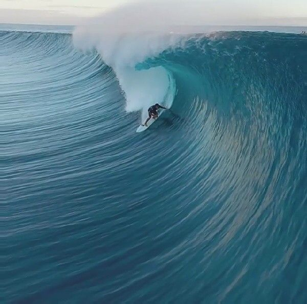 Who S Ready For Some Big Swell Surfing Waves Kite Surfing Surfing Pictures