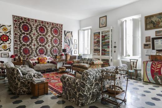 Elegant Das Wohnzimmer: Großer Usbekischer Wandbehang Aus Dem Späten 18.  Jahrhundert. Rechts Und Links