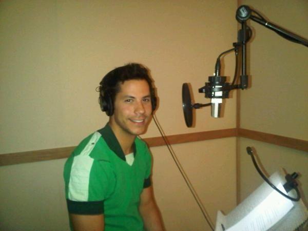 Christian Chávez gravando um comercial desconhecido (xx.07.11) - 001 - RBD Fotos…