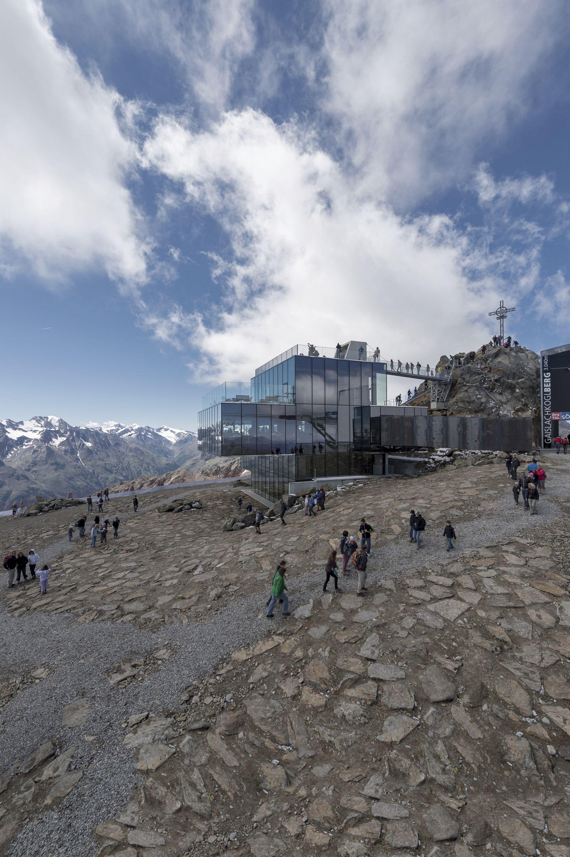 Mountain summer at over 3,000 m above sea-level.  #iceq #sölden #ötztal #austria