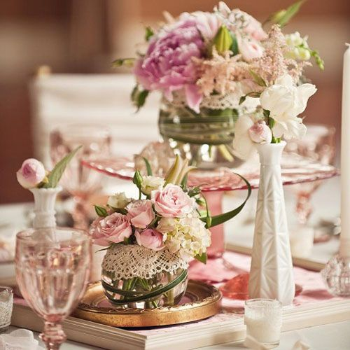 Love the lace accent on the small vase.