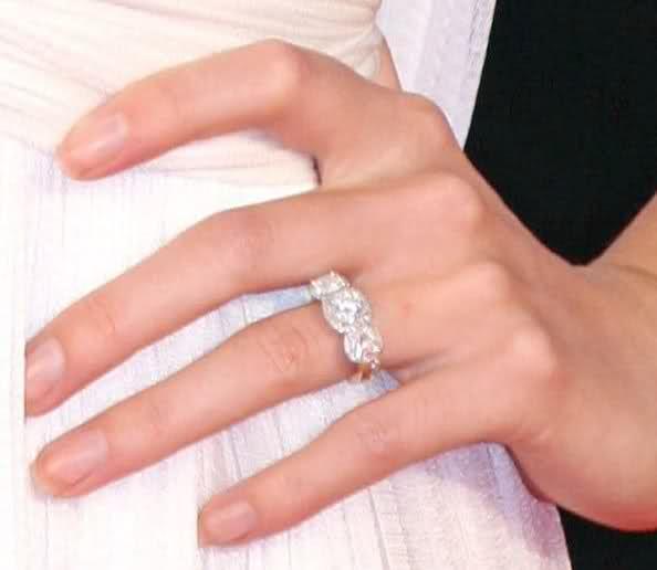 Nikki Reeds tacori wedding ring I love the idea of adding two side