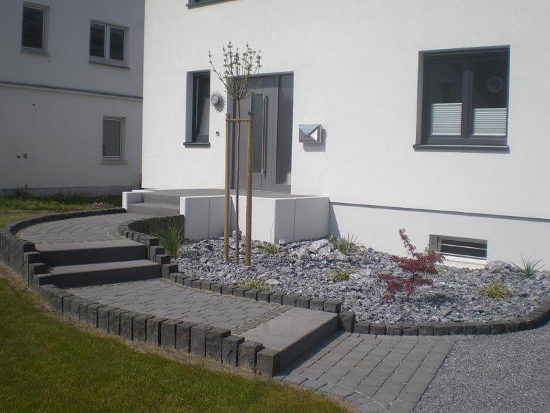 michael holzweiler garten und landschaftsbau gmbh hauseingang pflastern haus hauseingang. Black Bedroom Furniture Sets. Home Design Ideas