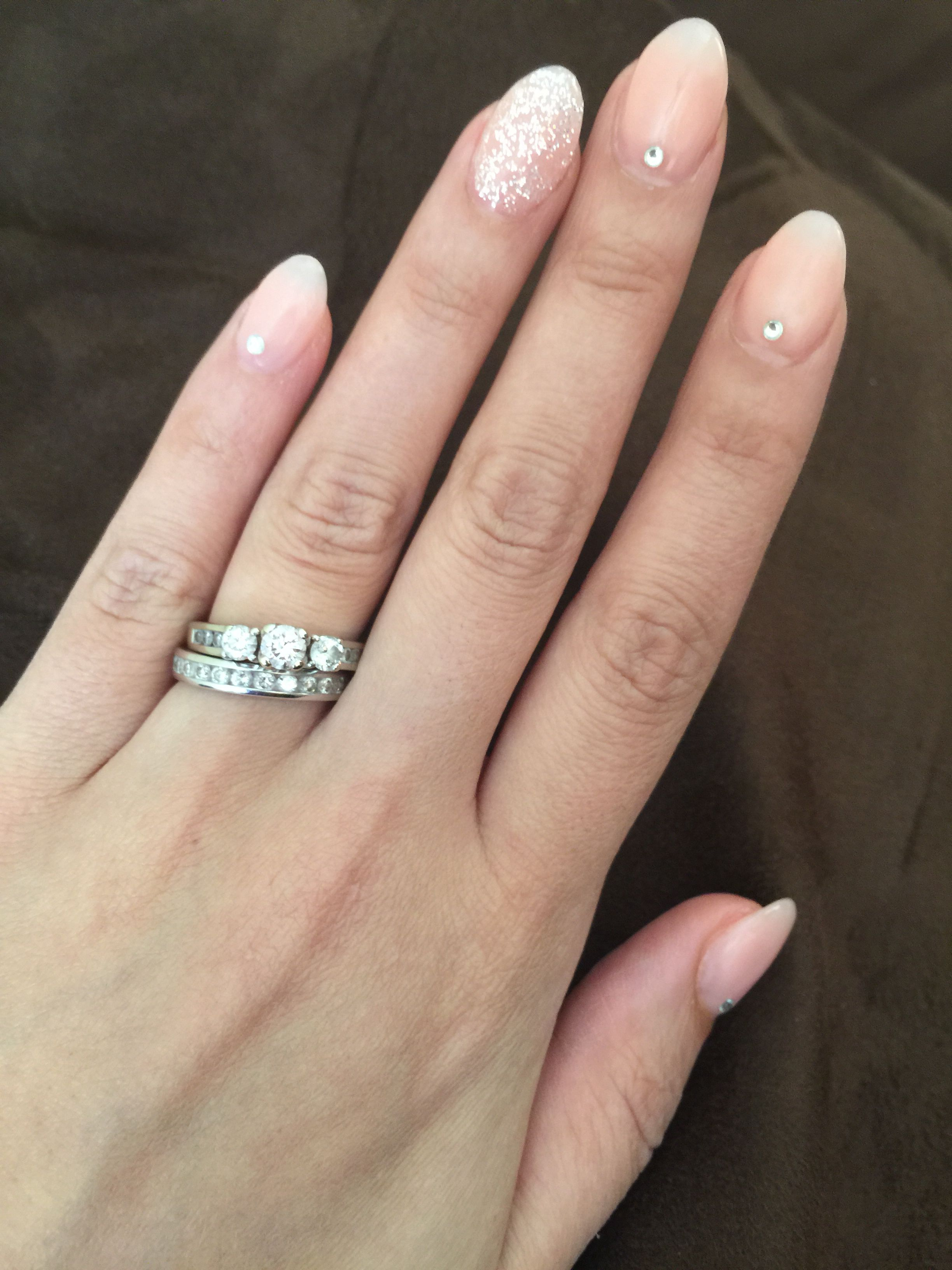 Oval shaped acrylic nails w/ rhinestones and a touch of glitter ...