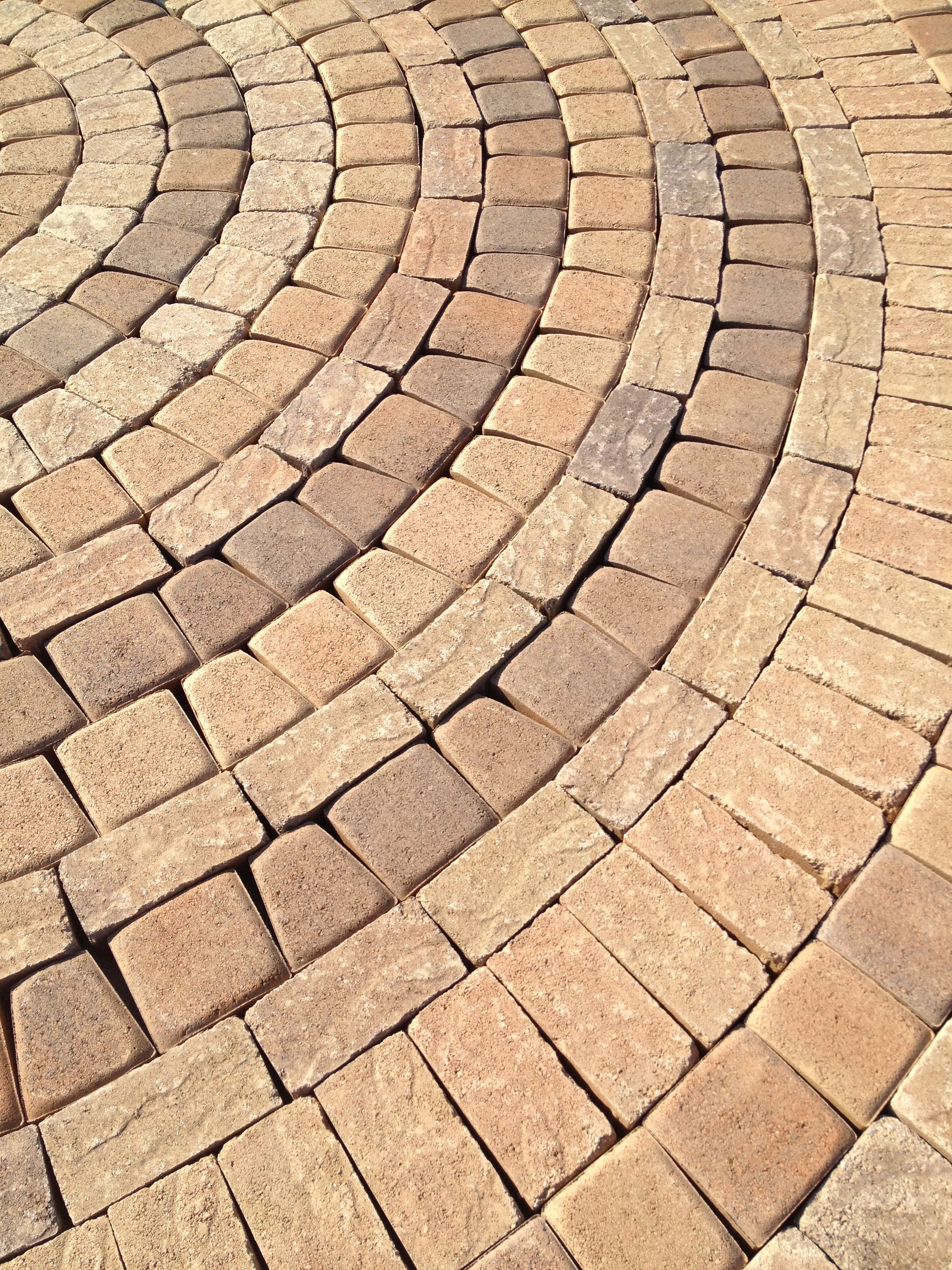 Mixing Textures Colors Sizes Possible With Individual Pallets At Orco Paving Stones Hardscape Paving Stones Pavingstones