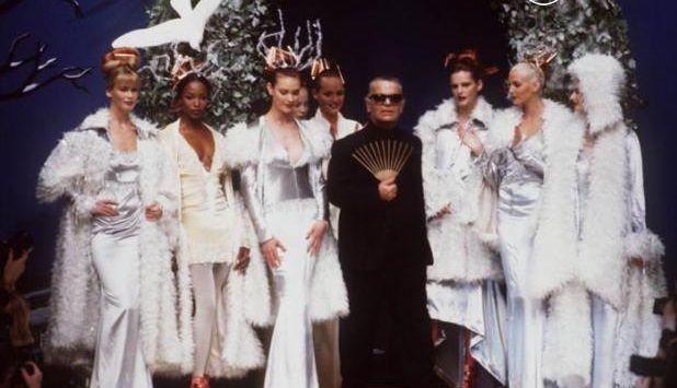 1994-95 - Karl Lagerfeld & models at Chloe final
