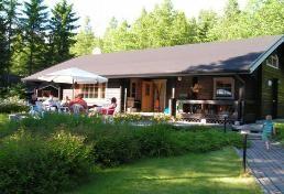 Struka cottage, 12-15 persons, four bedrooms Vuokramökki Struka Pyhtäällä, joenrannalla