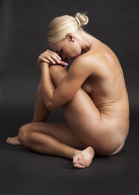 Tillie Art Nude Spankbank 1