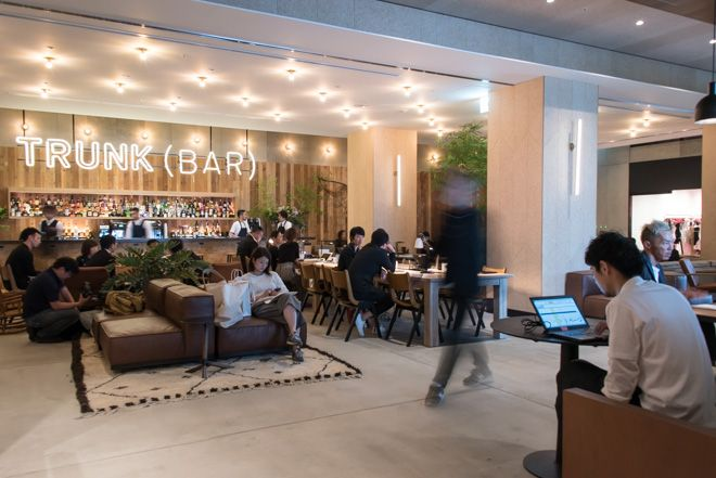 ソーシャライジング でホテル業界に新風 渋谷宮下地区に トランク ホテル 開業 トランクホテル ホテル ホテルロビー