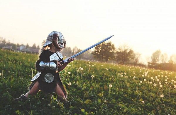 Skyrim Mom Makes Cosplay For Her Daughter