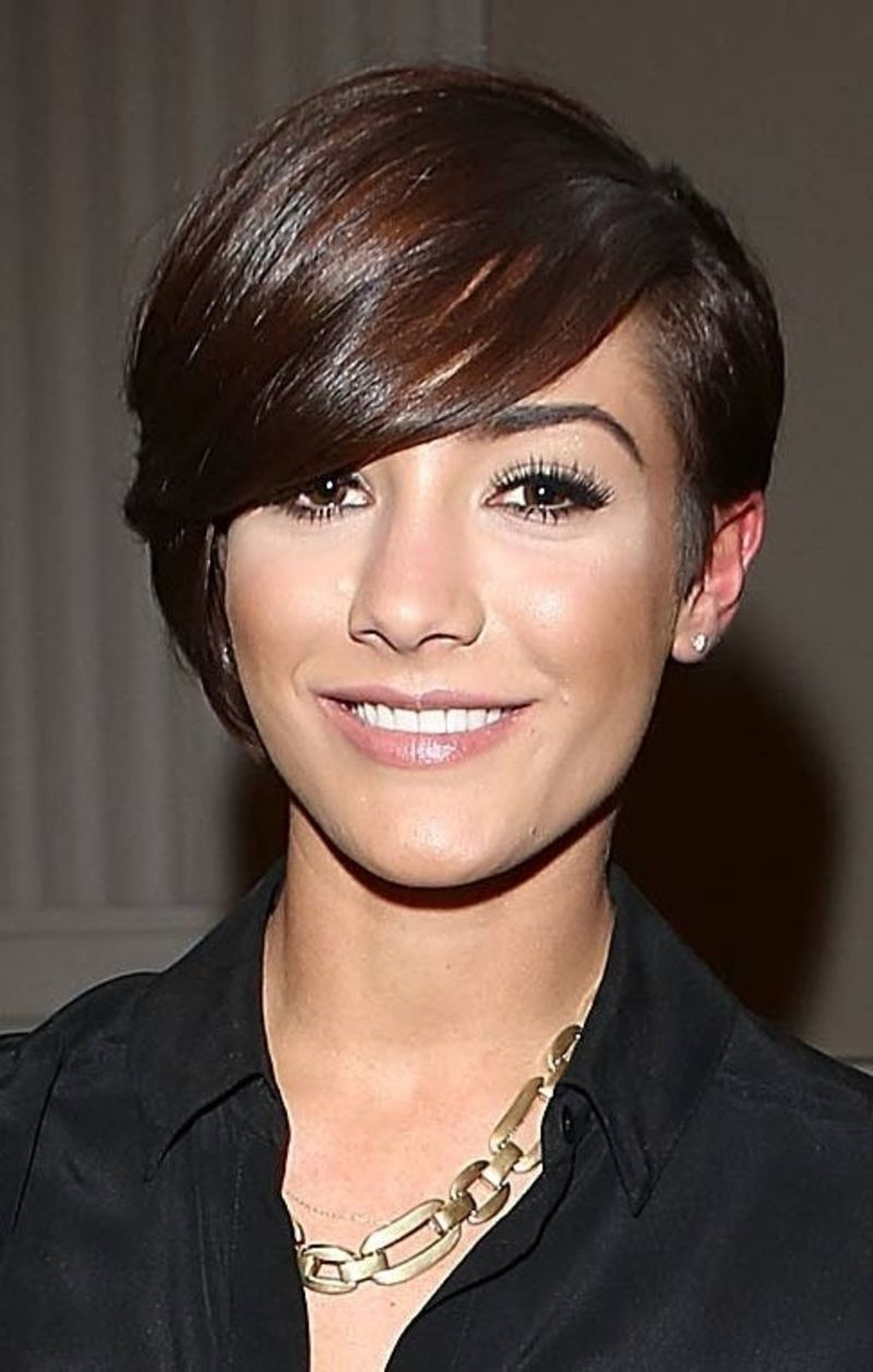 Oblong face haircut men  stylish suggestions on styling a pixie cut   hair styles for