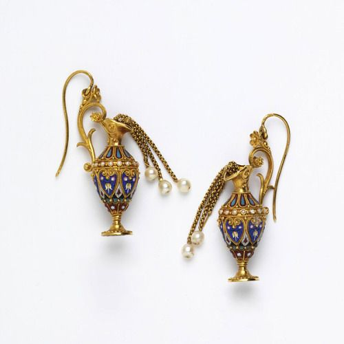 findlight:  Earrings in shape of ewers, c. 1870. Micromosaic, gold and pearls. (The Rosalinde and Arthur Gilbert Collection on loan to the Victoria and Albert Museum.)