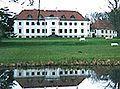 Moesgård, Jylland - kan spores tilbage til 1396. Den nuværende hovedbygning er opført i 1780-1784 af Christian Frederik Güldencrone efter tegninger af Christian Joseph Zuber