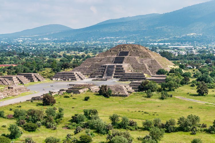 How To Visit Teotihuacan The Pyramid Of The Sun Mexico City Cool Places To Visit Teotihuacan