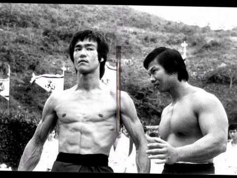 BRUCE LEE en un combate REAL (Bruce Lee vs Karateca Joe lewis) - YouTube
