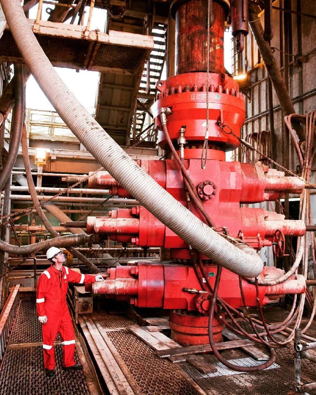 Instagram Photo By Yaribelrb May 10 2016 At 12 06pm Utc Oil Rig Jobs Oil Platform Oilfield