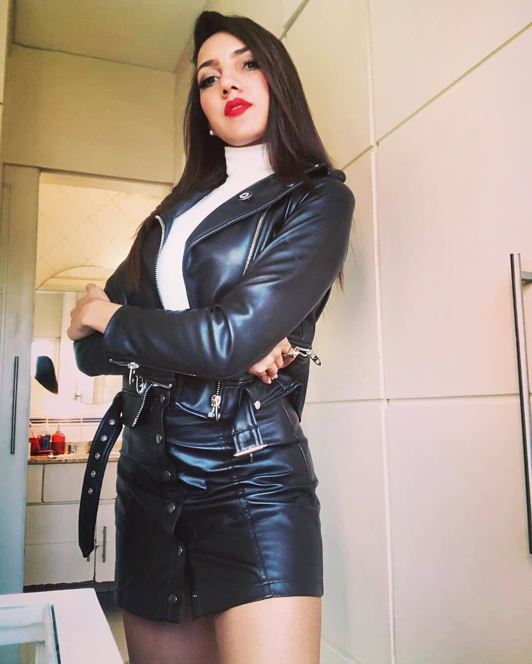 589 Aprecieri 7 Comentarii Leathergirls Beauties In Leather Pe Instagram Christinecarter1950 Leath In 2020 Leather Jacket Girl Leather Outfit Fashion
