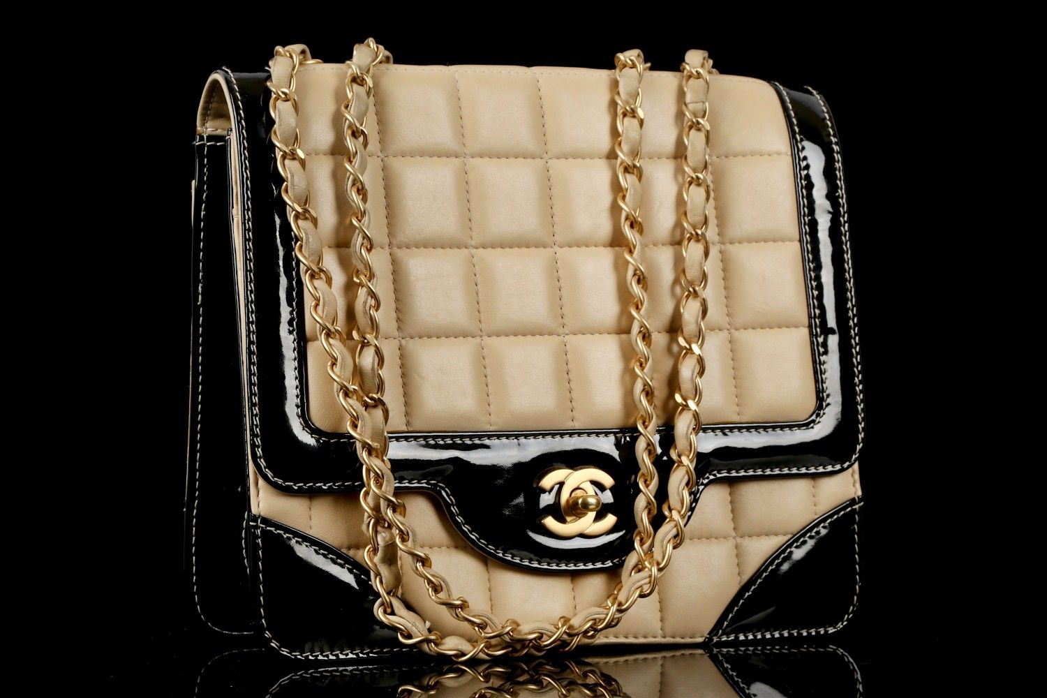 f3fabc6b39c1 CHANEL CHOCOLATE BAR FLAP SHOULDER BAG